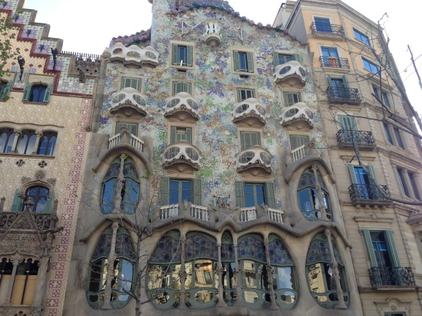 5 Things You MUST Know Before Travelling to Barcelona